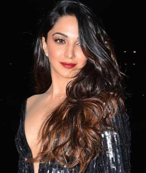 Kiara Advani Hot in Black Dress