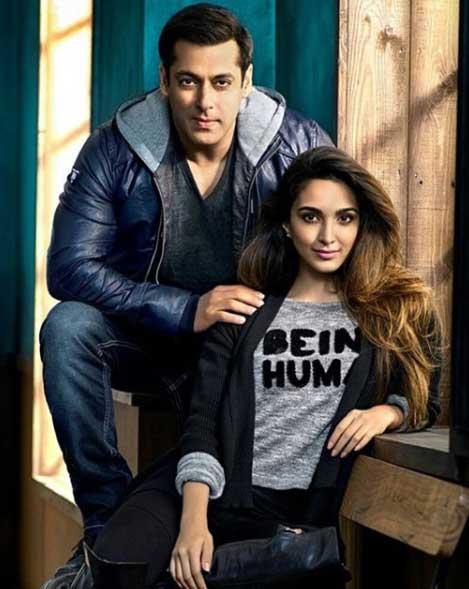 Kiara Advani Hot with salman khan