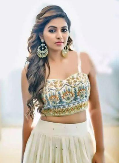 Anjali-Hot-in-lehenga