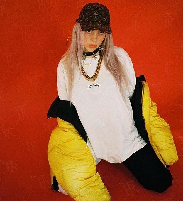 Billie-Eilish-hot-look