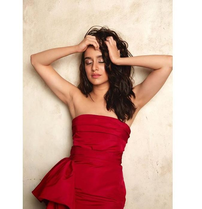 Shraddha Kapoor Hot Pic in red